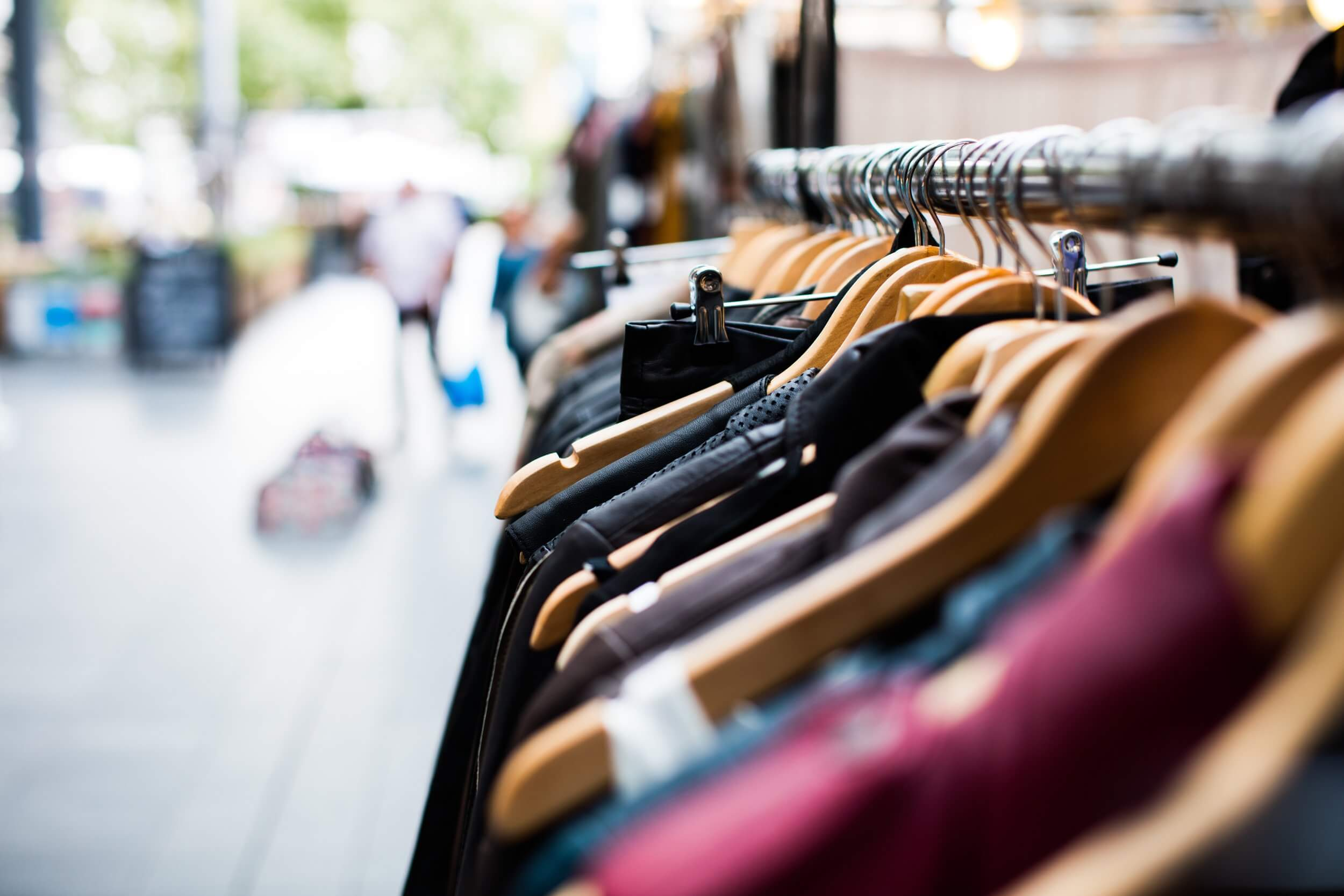 A two staged forecasting scheme considering the constraints of sales forecasting in the fashion industry